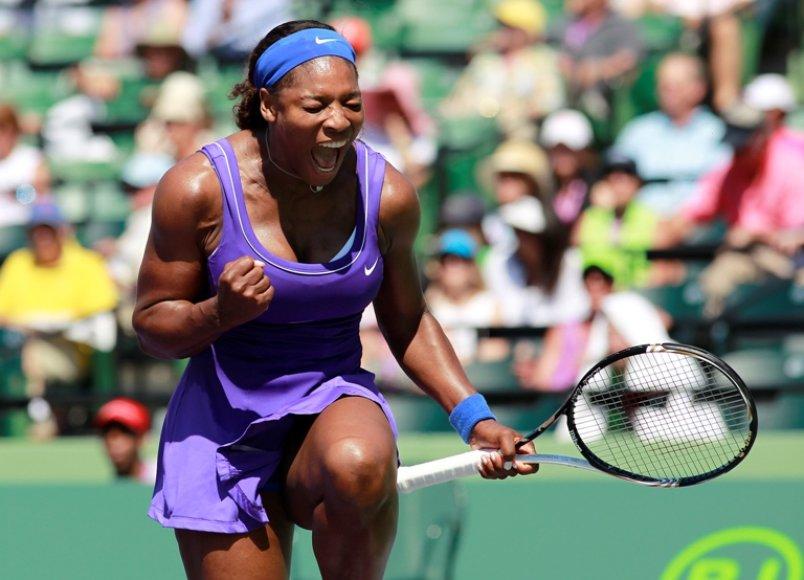 Serena Williams po pergalės prieš grįš į pirmą WTA reitingo dešimtuką
