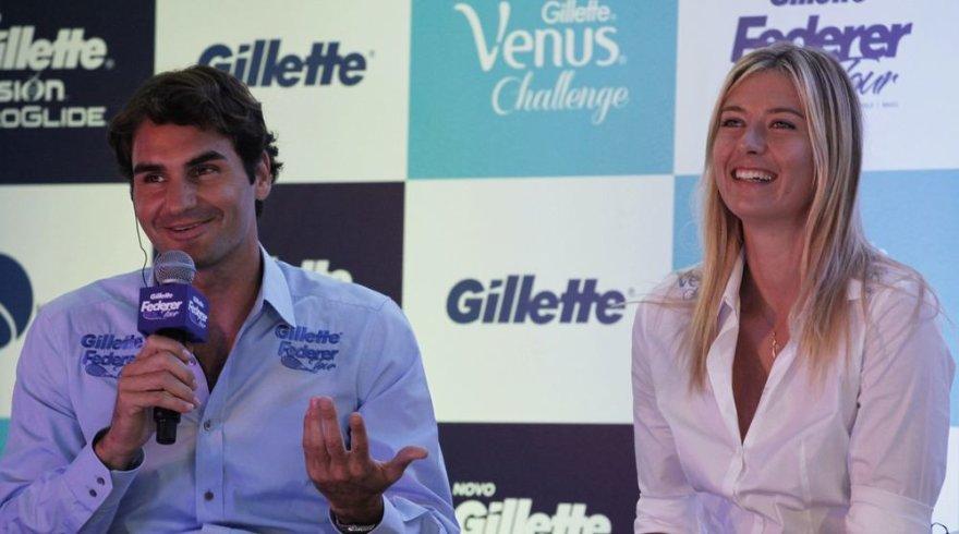 Rogeris Federeris kartu su Marija Šarapova dalyvavo spaudos konferencijoje Brazilijoje.