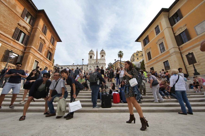 """""""Scanpix"""" nuotr./Atidaryti restauruoti Ispanijos aikštės laiptai Romoje."""