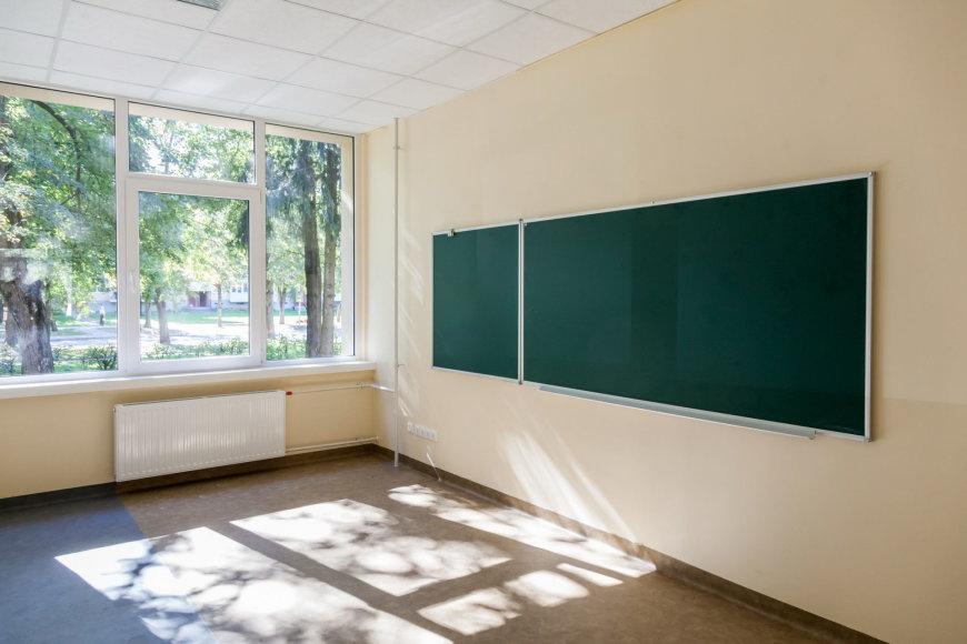 Sauliaus Žiūros nuotr./Atnaujinta mokykla Vilniaus Minties gatvėje