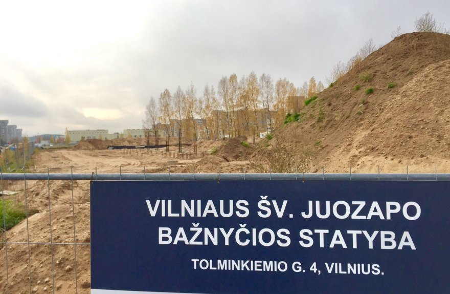 Valdo Kopūsto / 15min nuotr./Pilaitės bažnyčios statybos 2016 m. spalio pabaigoje