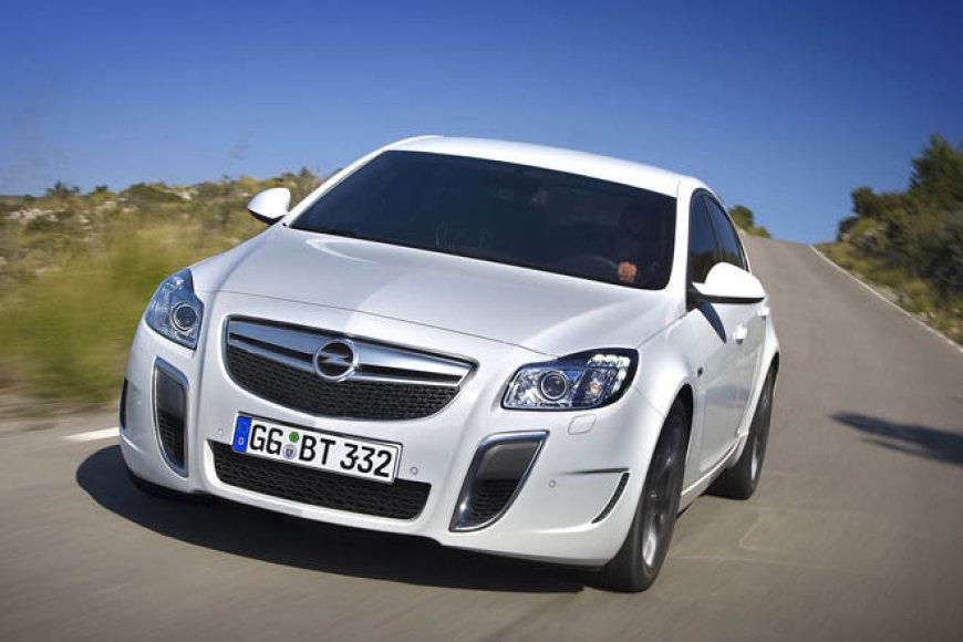 """Opel Insignia OPC"""