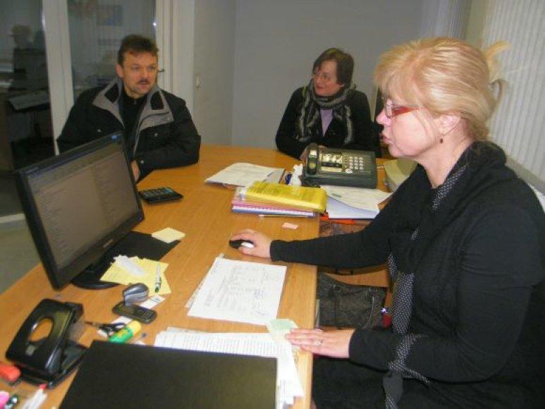 Klaipėdos agentūroje bendrijų pirmininkai lankosi kasdien.