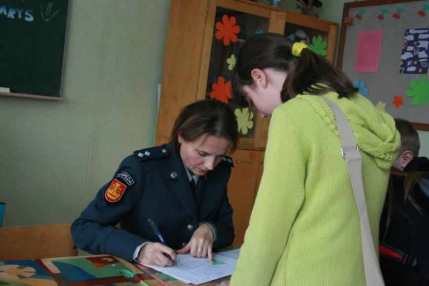 Dėl ko gimnazijoje įvyko muštynės, aiškinasi Klaipėdos policija. Asociatyvinė nuotr.