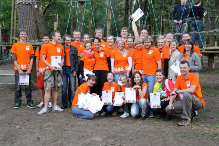 Velomaratono savanoriai ir organizatoriai