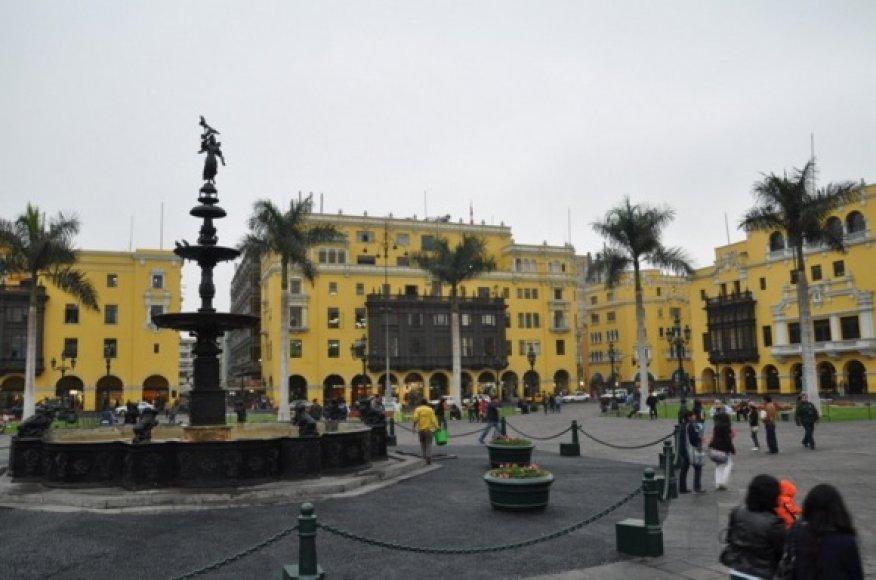 Didelės Limos aikštės ir įspūdinga architektūra
