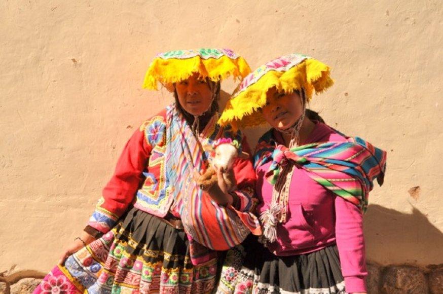 Pasipuošusios Kusko gyventojos