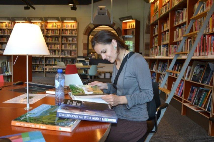Pasiruošimas kelionei bibliotekoje
