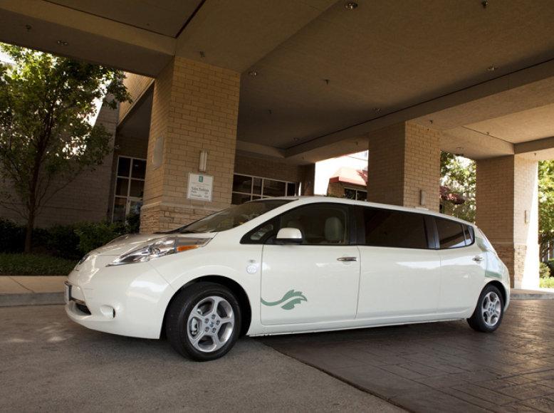 """""""Nissan Leaf"""" limuzinas"""