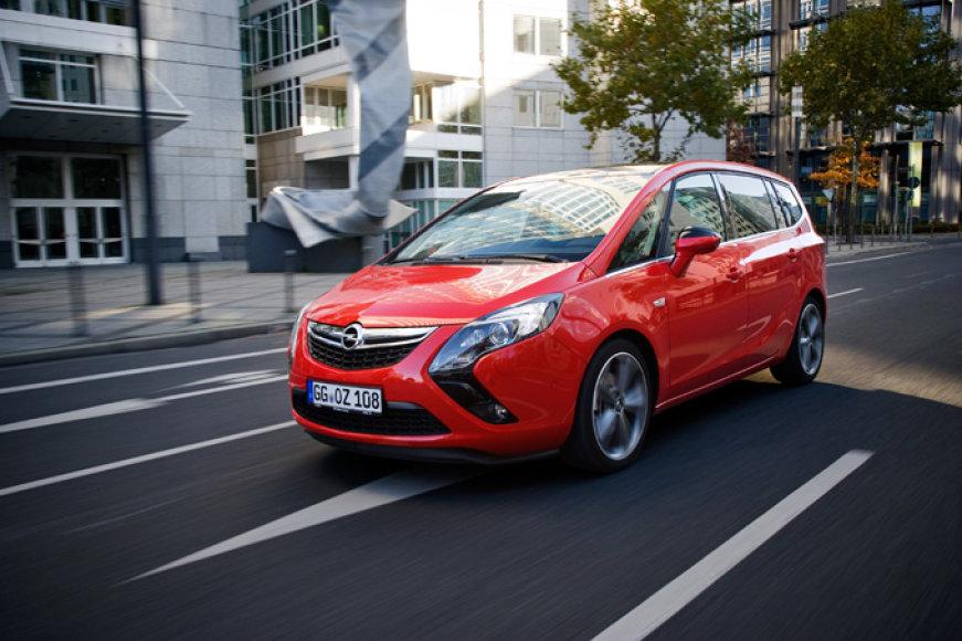 """Opel Zafira Tourer"""
