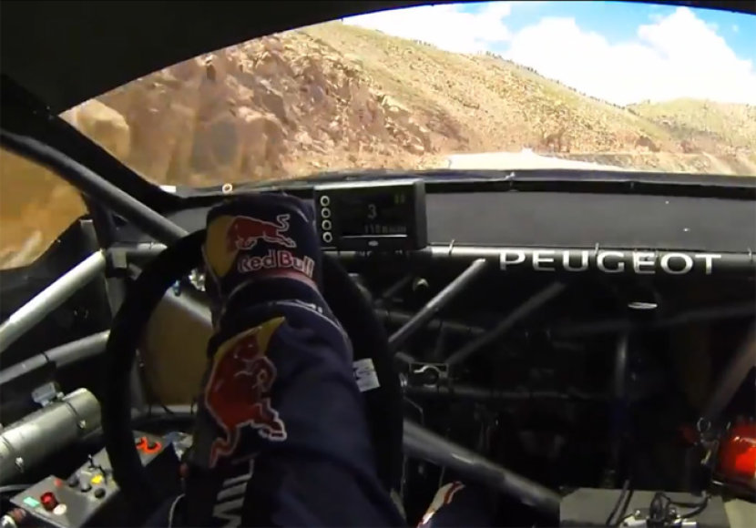 "Vaizdas iš Sebastieno Loebo ""Peugeot 208 T16 Pikes Peak"" kokpito"