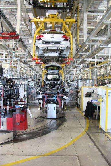 """""""Opel"""" gamykla Russelhsheime"""