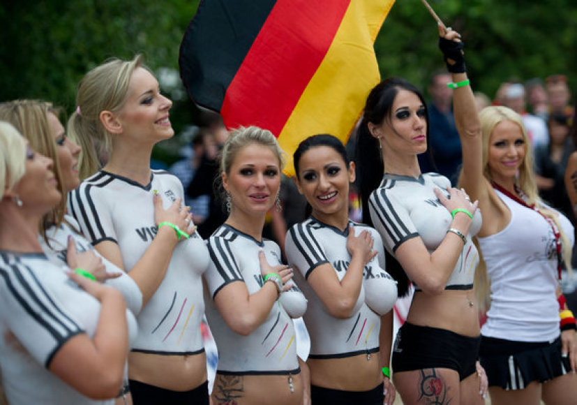 Матч между немецкими и датскими порноактерами