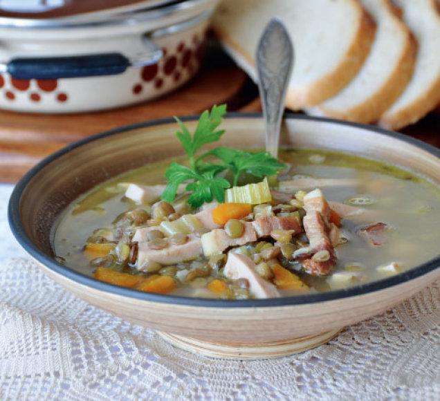 Lęšių sriuba su virta dešra