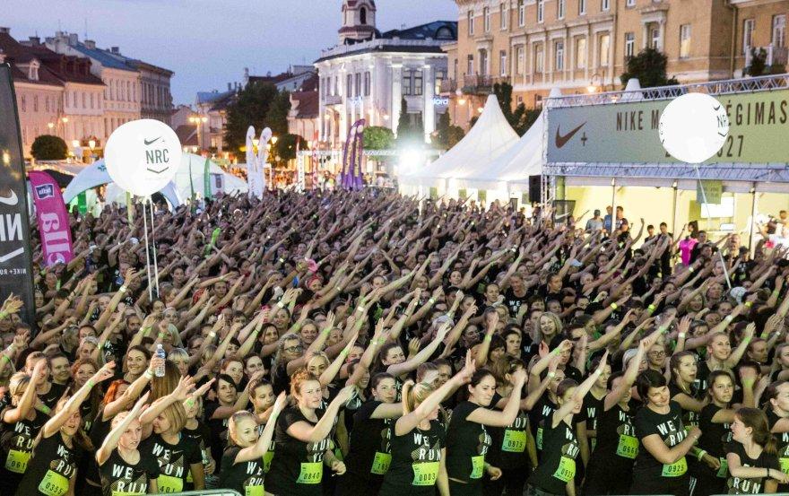 """Luko Balandžio / 15min nuotr./Naktinis """"Nike"""" moterų bėgimas"""