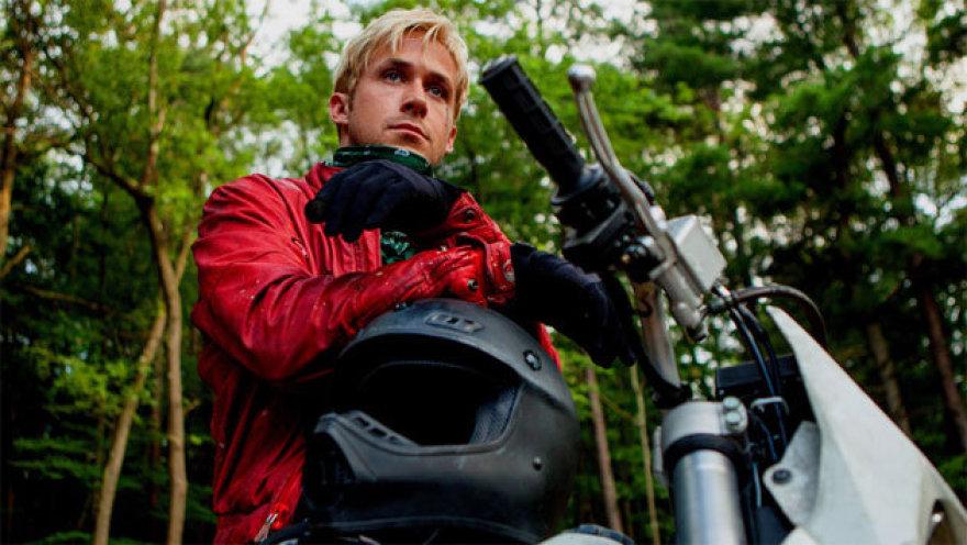 """Ryanas Goslingas filme """"Niujorko šešėlyje"""""""