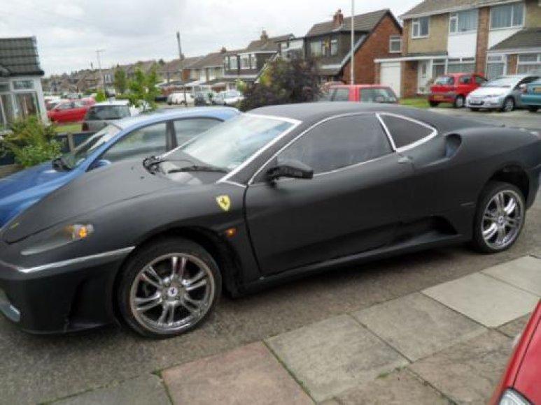 Į Ferrari F430 perdarytas Peugeot 406 Coupe