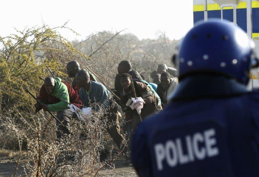 Policijos ir darbininkų susidūrimas PAR