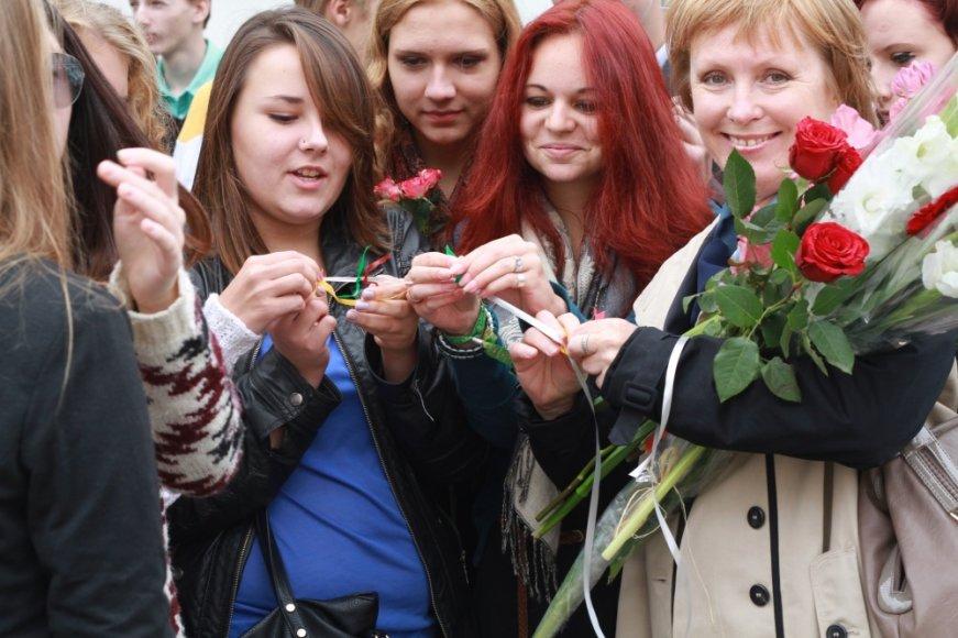 Vilniaus Salomėjos Nėries gimnazija pasitiko naujus mokslo metus ir būsimą 100-ąją gimnazistų laidą