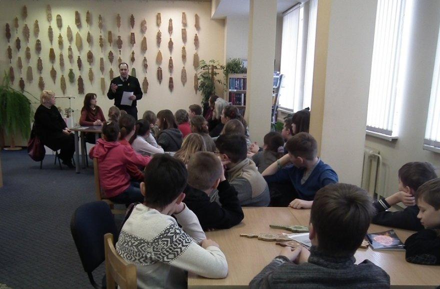 Policininkas Albinas Šileika vedė edukacinius užsiėmimus vaikams
