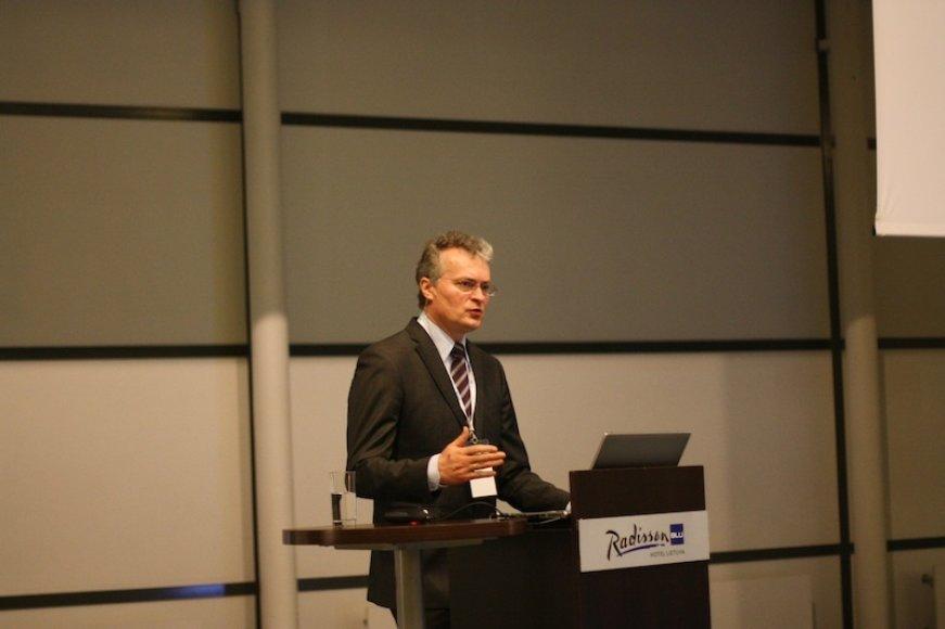 Gitanas Nausėda, finansų analitikas, SEB banko prezidento patarėjas