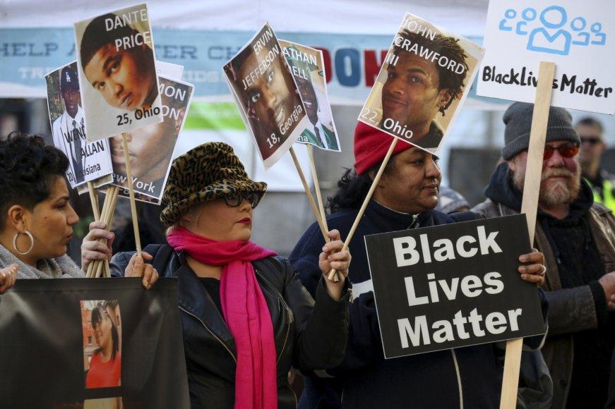 """""""Reuters""""/""""Scanpix"""" nuotr./5. """"Black Lives Matter"""" judėjimas JAV dėl policijos nekaltai nužudomų juodaodžių"""