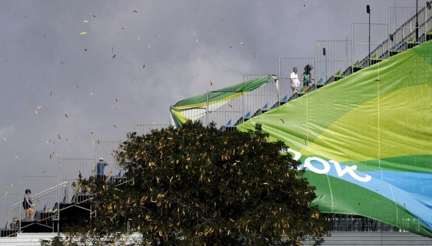 """Scanpix"" nuotr./Vėjas Rio de Žaneire griauna planus"