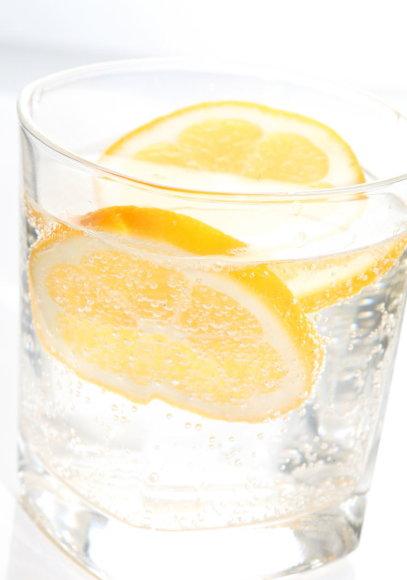 Vida Press nuotr./Vanduo su citrina