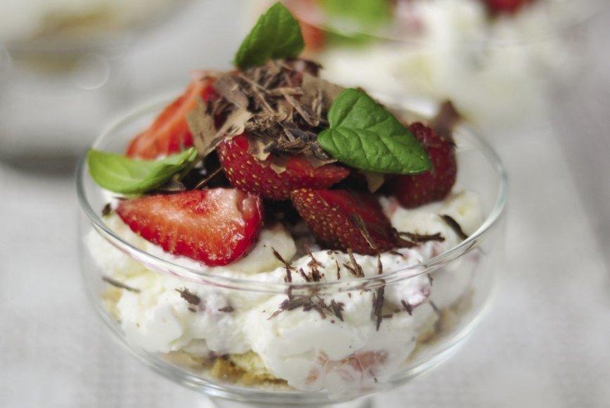 Braškių ir maskarponės desertas