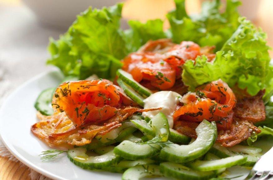 Salotos su agurkais ir šonine