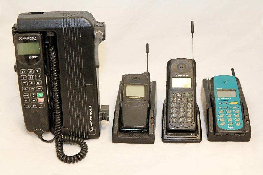 Pirmieji Lietuvą pasiekę telefonai