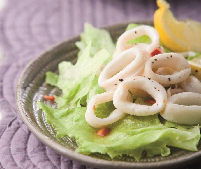 Karštosios kalmarų salotos