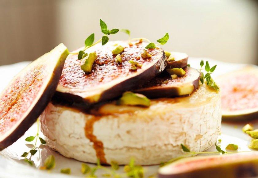 Bri sūris su figomis