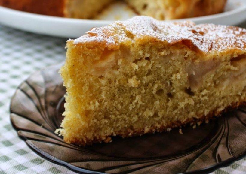 Močiutės obuolių pyragas su cinamonu