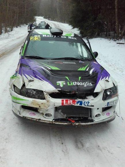 "Giedriaus Notkaus nuotr./""Mitsubishi Lancer EVO IX"" po avarijos"