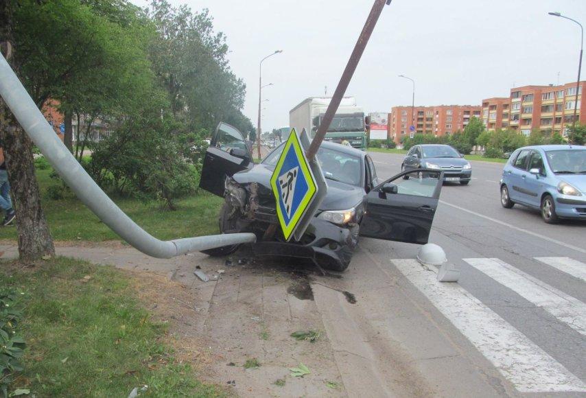 BMW avarija Šiauliuose