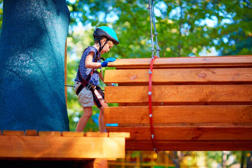 123RF.com nuotr./Vaikas įveikia kliūtį