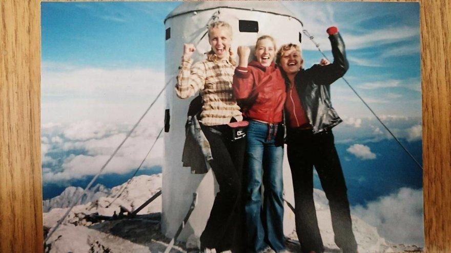 Asmeninio archyvo nuotr./Vilma Tūbutytė su draugėmis ant Triglavo viršūnės