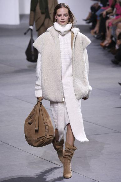 "Vida Press nuotr./""Michael Kors"" 2017–2018 m. rudens-žiemos kolekcijos modelis"