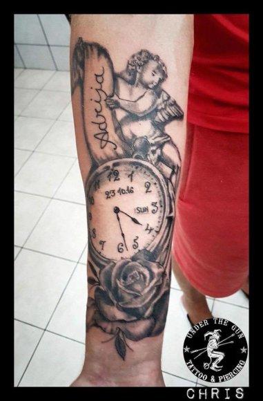 Asmeninio albumo nuotr./Ronaldo Rutkausko tatuiruotė