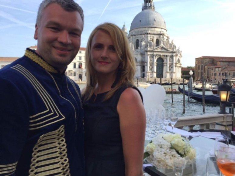 Asmeninio albumo nuotr./Tomas Sinkevičius su žmona