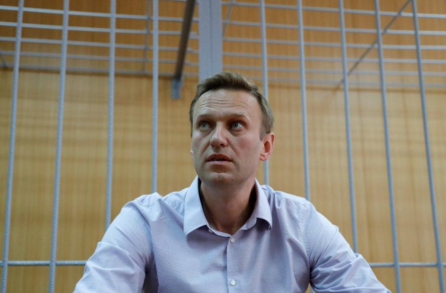 """""""Reuters""""/""""Scanpix"""" nuotr./Aleksejus Navalnas teisme"""