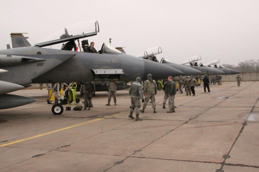 NATO oro policijos misijos pasikeitimo ceremonija