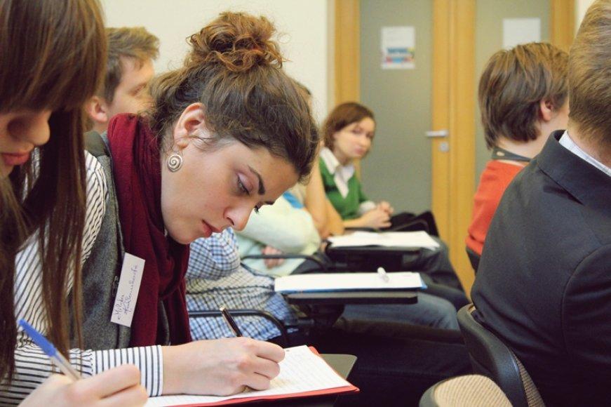 Studentai iš Lenkijos ir Lietuvos ieškojo bendros perspektyvos 2012 spalio 25-28 d. Vilniuje vykusioje Lenkijos-Lietuvos akademijoje