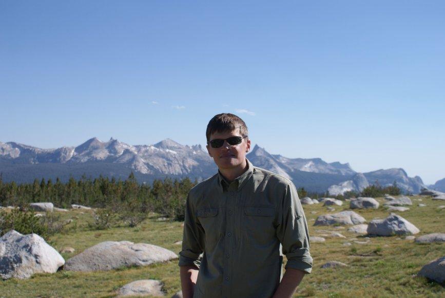 Fizikas dr. Audrius Alkauskas Kalifornijos kalnuose (2013 m.)