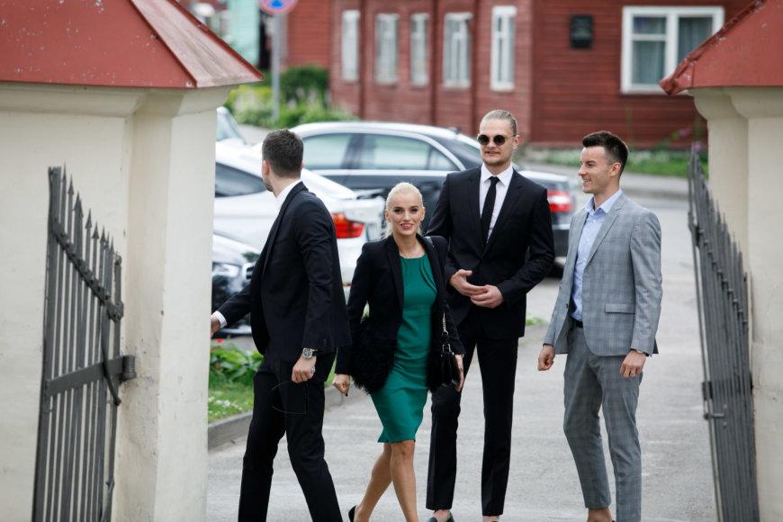 Tautvydas Sabonis ir Adas Juškevičius su žmona Simona