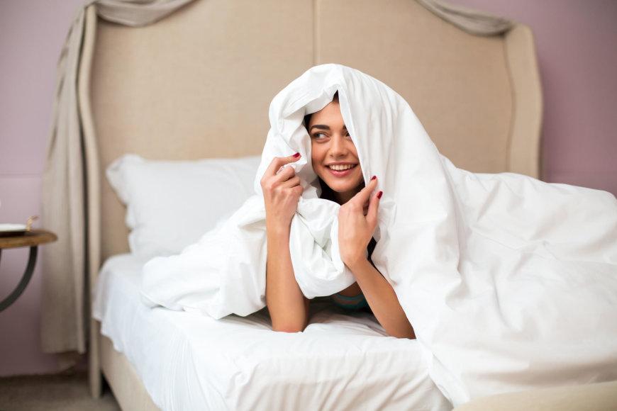 Vida Press nuotr./Moteris lovoje