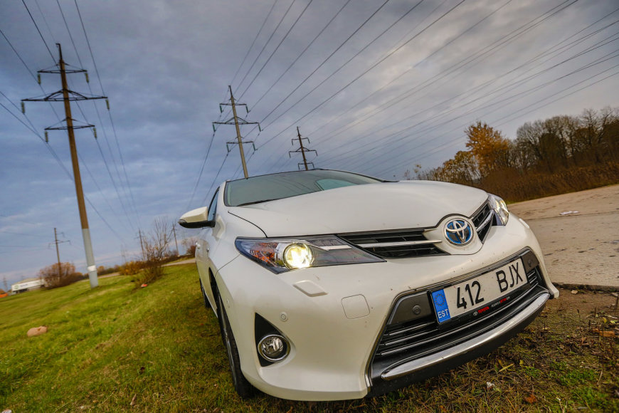 """""""Toyota Auris"""" universalas"""