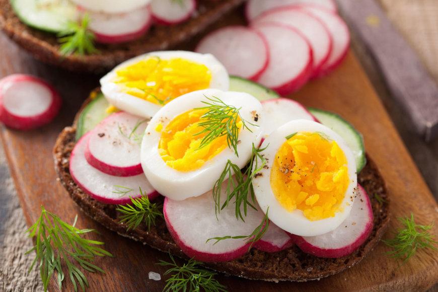 123RF.com nuotr./Sumuštinis su kiaušiniais.