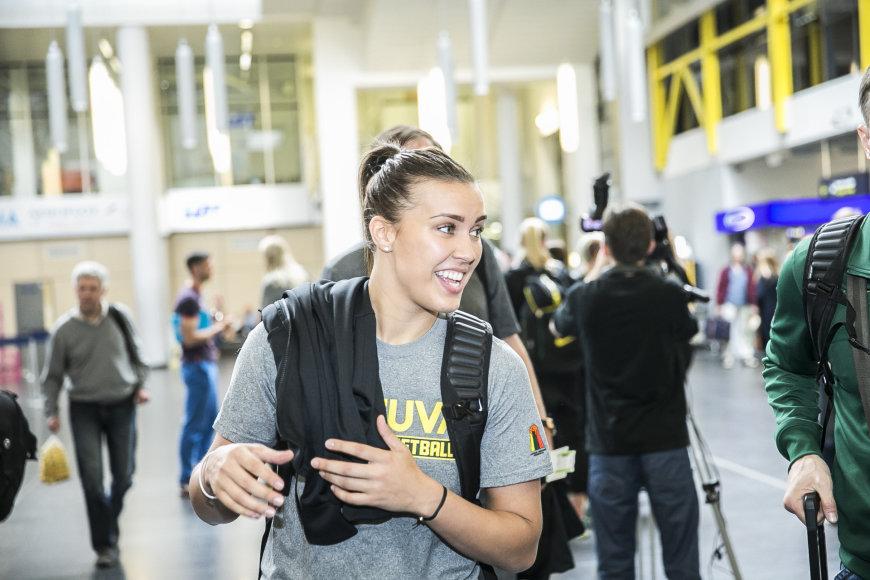 Lietuvos moterų krepšinio rinktinė išskrenda į 2015 m. Europos krepšinio čempionatą